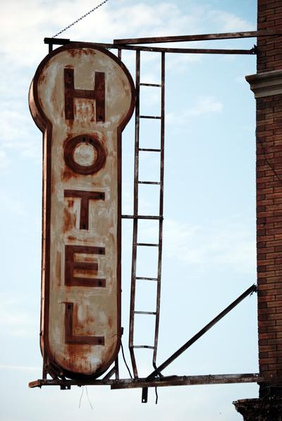 Keller Hotel & Bar